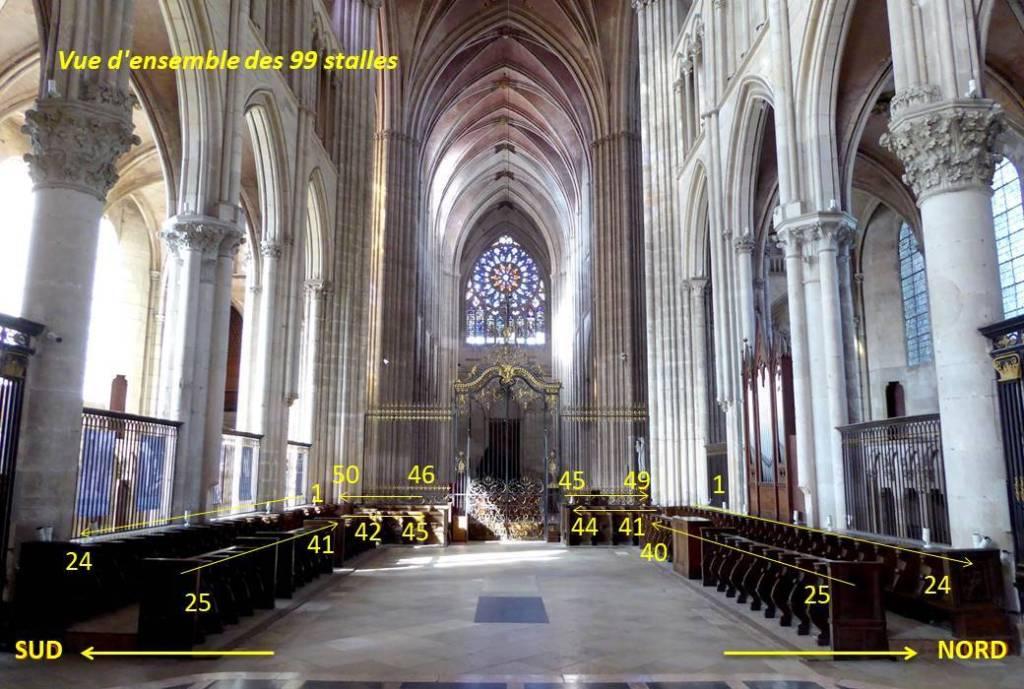 Détruites en 1567 par les Huguenots lors des guerres de religion opposant catholiques et protestants, les stalles de la cathédrale d'Auxerre ont été entièrement refaites en 1573-1574 à l'initiative de Jacques AMYOT, évêque d'Auxerre de 1571 à 1596